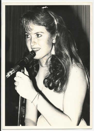 Erica Leiren performing at a Debutantes gig - Dave Jacklin photo