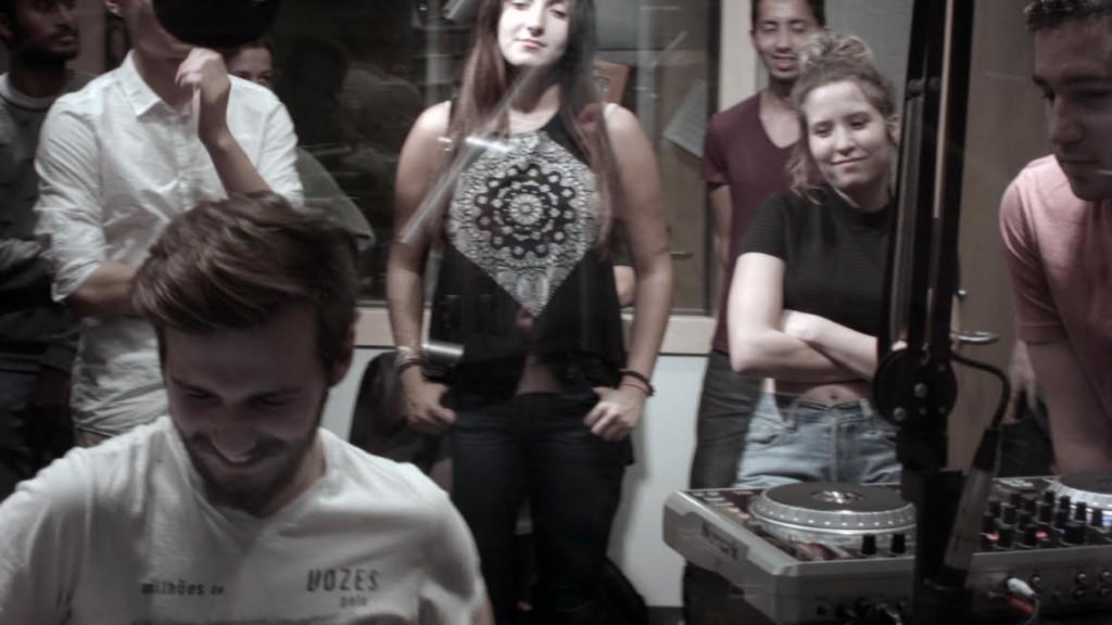 DJ 101.9