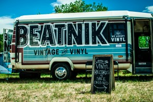 Welcome to the Beatnik Vinyl and Vintage Bus || Photography by Luis E. Busca for Discorder Magazine